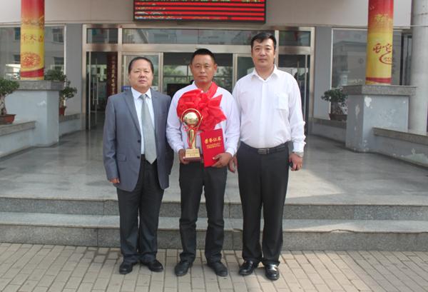 荣庆驾校王牌教练员—周建(技能竞赛一等奖)